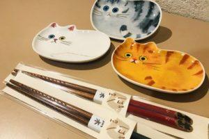 猫の豆皿とお箸